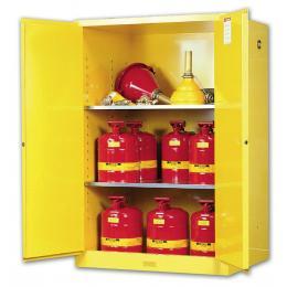 Armoire de sécurité pour produits inflammables  Capacité : 340 L