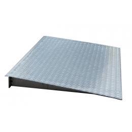 Rampe d'accès pour plancher de rétention en acier